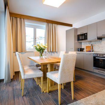 Küche und Essbereich im Superior Appartement