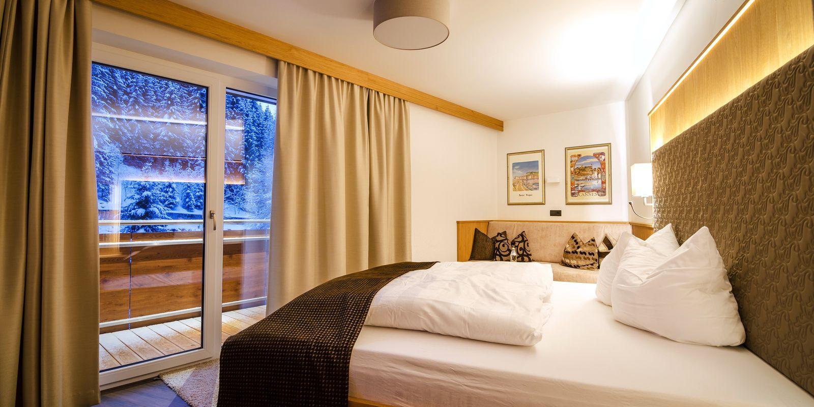 Superior Doppelzimmer mit Aussicht auf Winterlandschaft