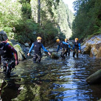 Canyoning durch Bach | © Zillertal Arena